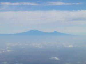 Vista aerea del monte più alto d'africa, il famoso Kilimanjaro