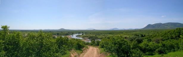 Il fiume Ruaha attraversa l'omonima riserva naturale, luogo bellissimo con un clima decisamente piu vivibile