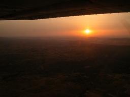 Il tramonto alle spalle avvicinandosi a Madrid