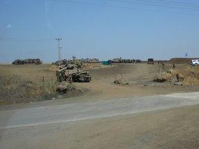 Carristi dell\IDF in esercitazione