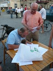Raccolta di firme per l'abolizione delle Province