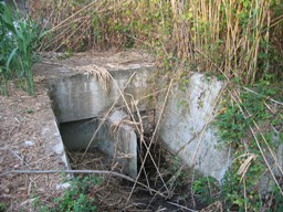 portelle-al-termine-del-collettore-che-vanno-al-fiume-foto-nc2b02