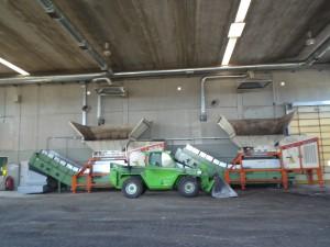 Trituratori all'ingresso della linea del compostaggio